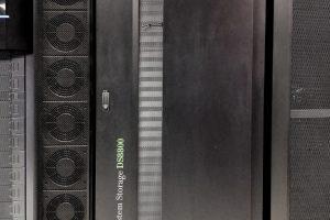 Una de les dues DS8800 en producció